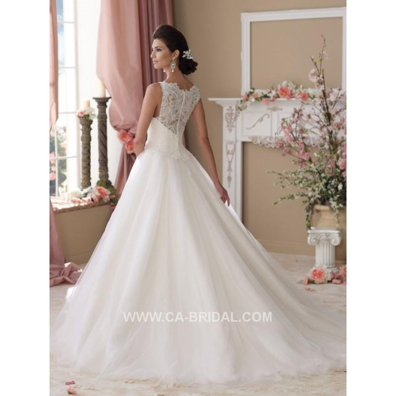 Boda - 2017 Modest A-Line Bateau Sleeveless Embroidery Court Train Tulle Wedding Dresses - dressosity.com