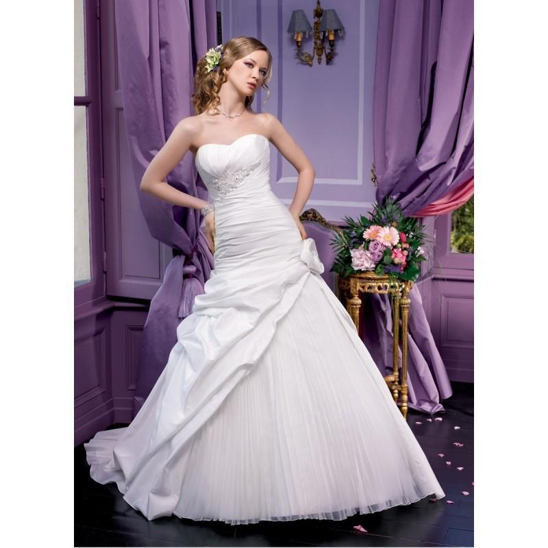 Wedding - Miss Kelly, 131-52 - Superbes robes de mariée pas cher