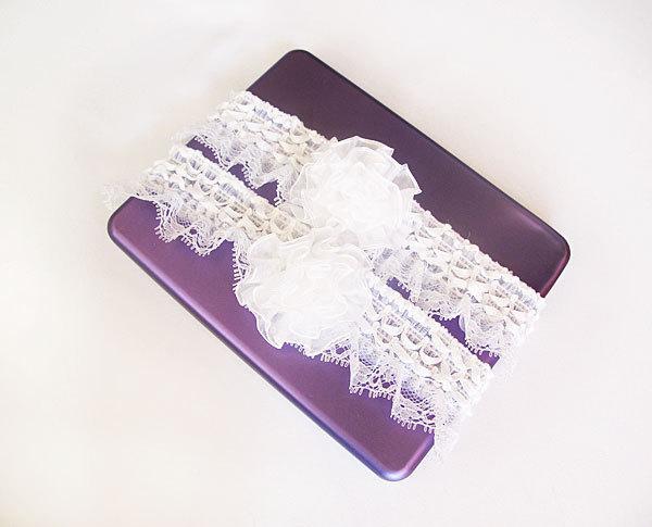 Hochzeit - Wedding Garter, Bridal Garter, white  Lace Garter, Weddings, Bridal Accessories