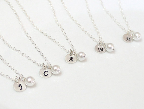 Свадьба - Set Of 2.3.4.5.6.7.8. Initial Pearl Necklace, Sterling Silver Initial Necklace, Initial Charm, Pearl Charm Necklace, Bridal Party Gift