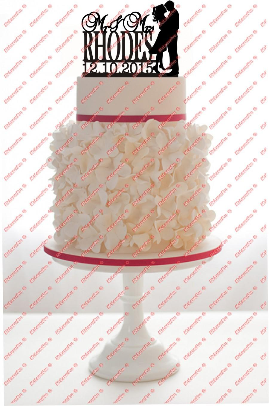 Свадьба - Custom Wedding Mr&Mrs Cake Topper Monogram Silhouette Personalized With Your Last Name, date, choice of color, FREE base for display