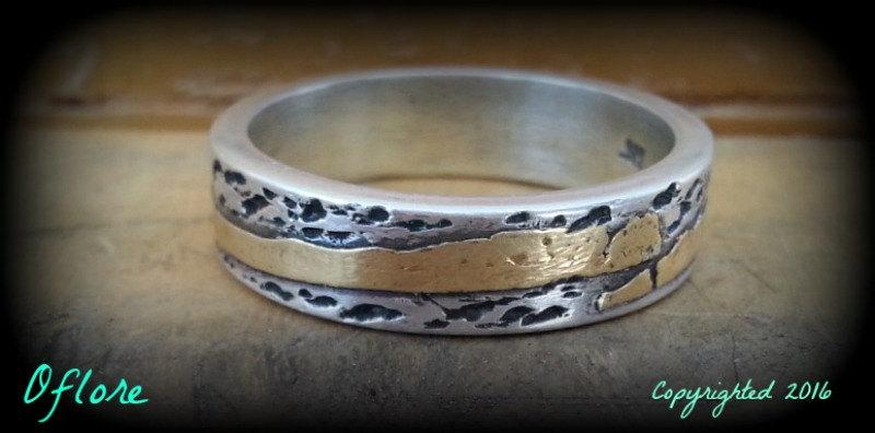 Mariage - Handmade  Sterling Silver 22 kt gold, rustic, textured, oxidized Wedding Band/ Promise Ring. (approx 6 mm x 2 mm)