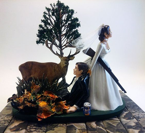 Mariage - The Hunt is Over Funny Hunting Wedding Cake Topper