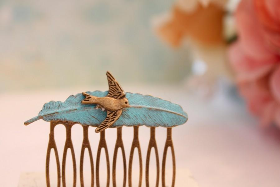 Hochzeit - Feather Hair Comb Verdigris  Antiqued Brass Feather Hair Comb Hair Accessory Wedding Hair Comb Feather Jewelry Sparrow Jewelry Blue feather