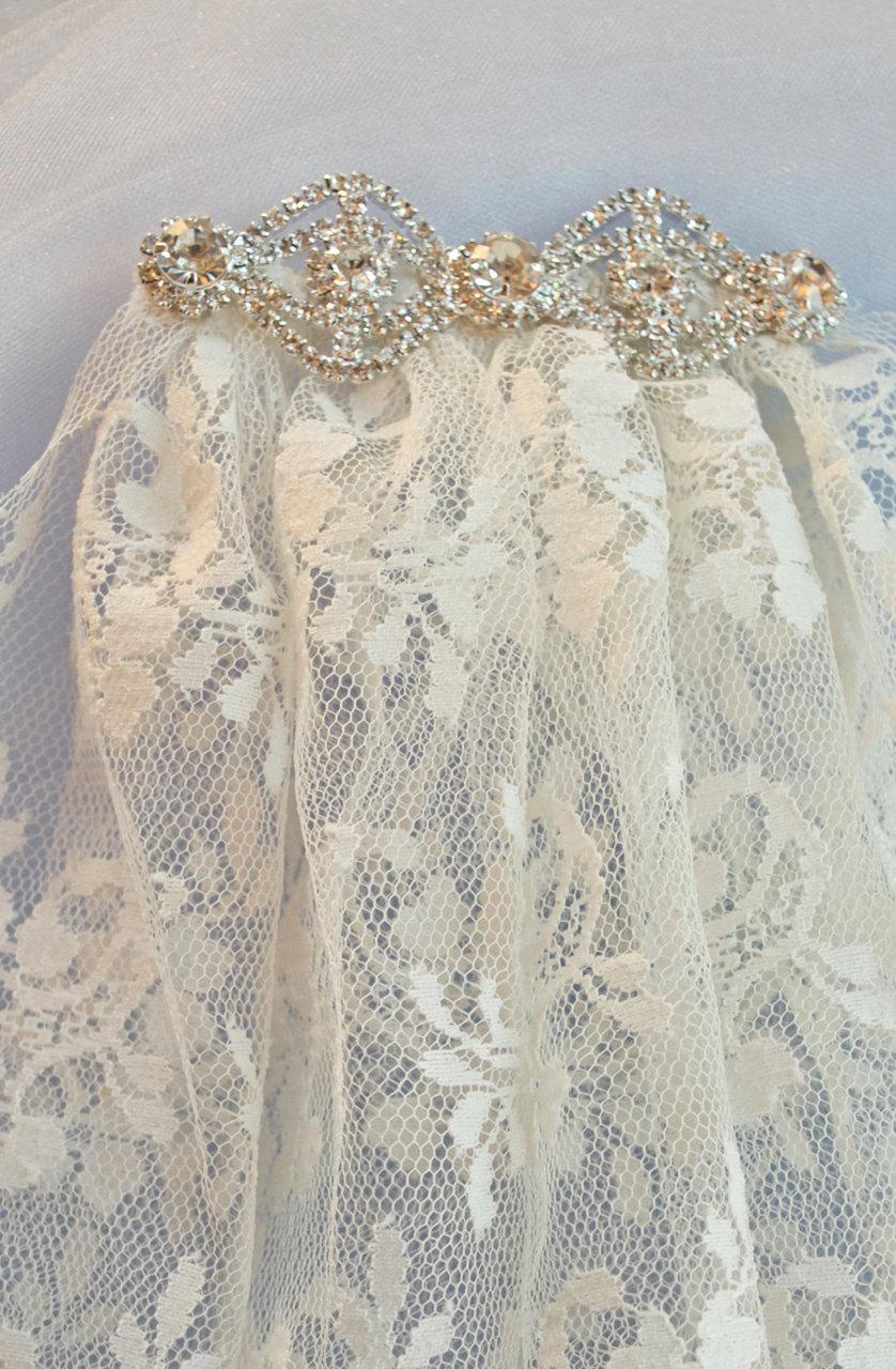Mariage - Vintage Lace Veil, Veil, Bridal Veil, Chantilly Lace Vintage Veil, Wedding Veil, Weddings, Bride Veil, Short Veil,  Headpiece,