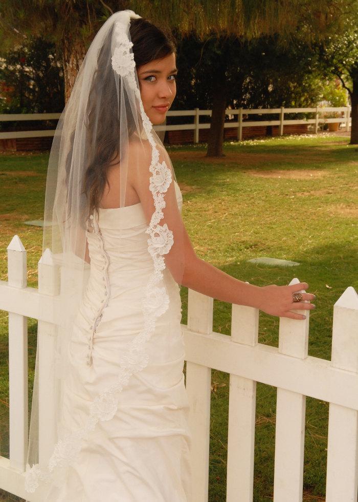 Hochzeit - Waltz Wedding Veil with Double Cut French Alencon Lace - Bridal Veil - Spanish Mantilla - Luxor