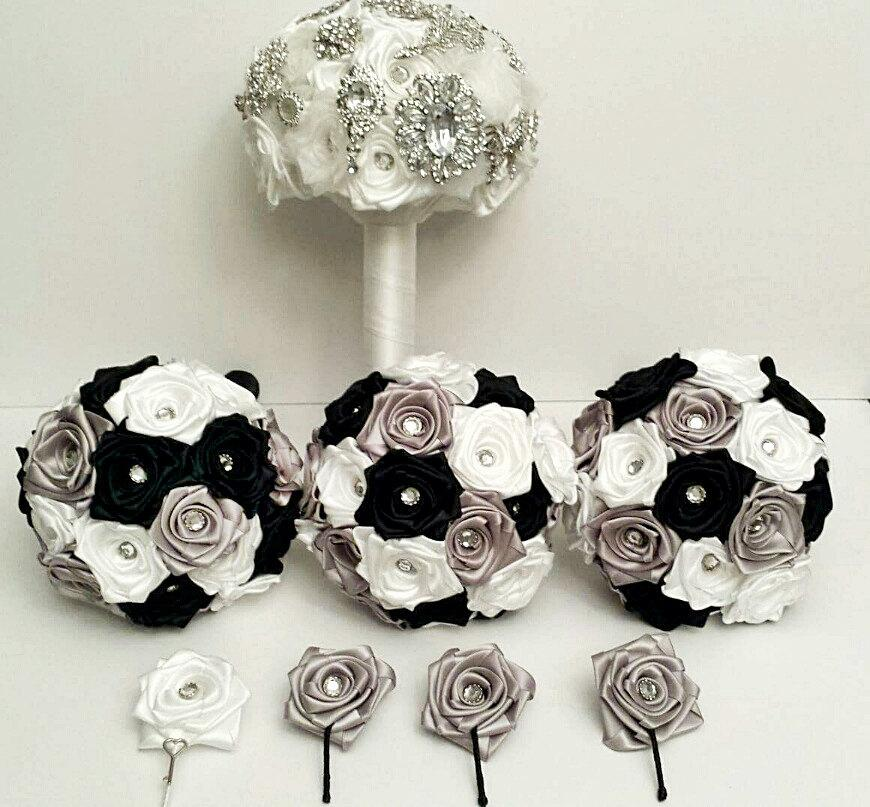 Hochzeit - Bridal Party  Bouquet and boutonniere Package - Customize to your colours