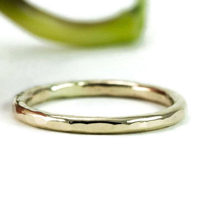 Свадьба - 14k Gold Wedding Ring -   Hammered Gold Stacking Band - Solid 14k Gold 2mm Band