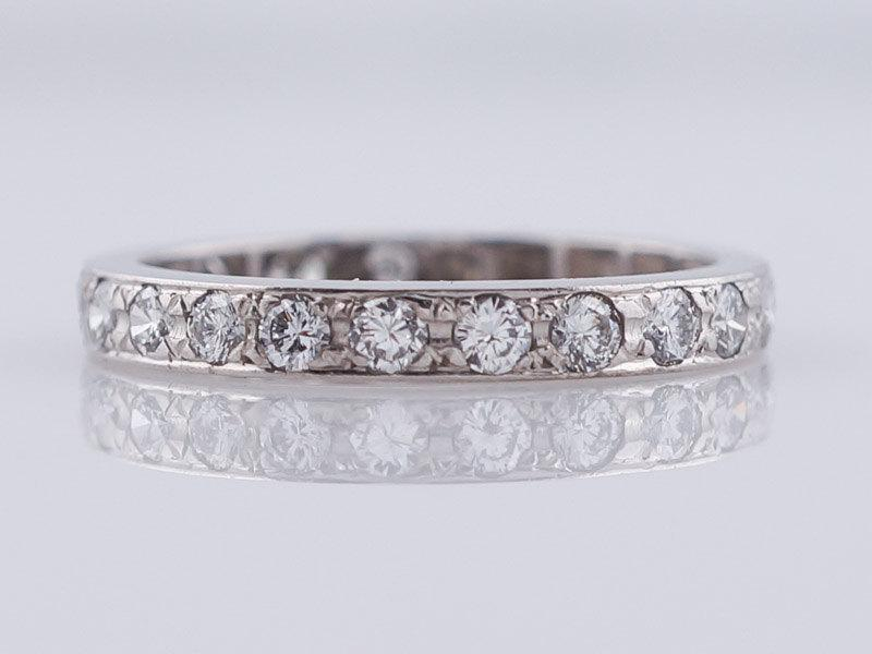 Mariage - Vintage Wedding Band Mid-Century .57ct Round Brilliant Cut Diamond in 18k White Gold