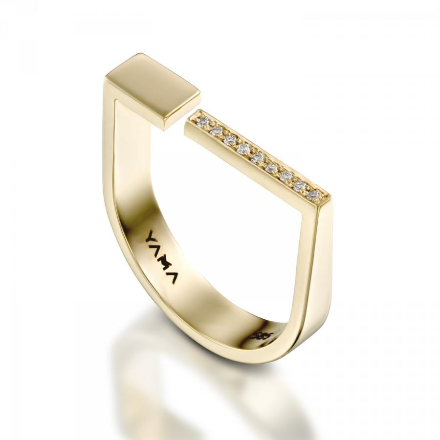 Mariage - Gold Diamond Ring, Innovative Jewelry, Edgy Ring, Charming Ring, Unique Engagement Ring, Engraved Monogram Ring, Contemporary Jewelry Gold