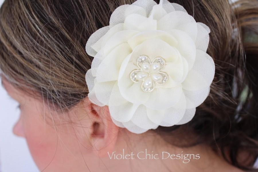 Mariage - Ivory hair clip ivory bridal hair piece ivory flower girl hair clip cream hair bow flower girl outfit ivory bridesmaid hair piece ivory bows