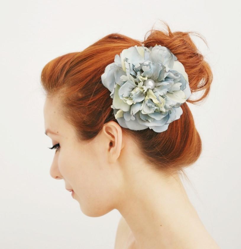 Mariage - Bridal hair clip, wedding accessory, flower head piece, blue floral hair accessory - Blue Danube