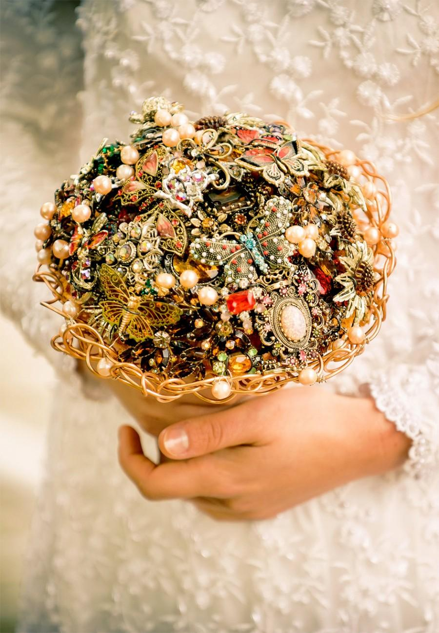 Свадьба - SALE - Bridal brooch bouquet BUTTERFLY - wedding keepsake made with vintage brooches, earrings and more