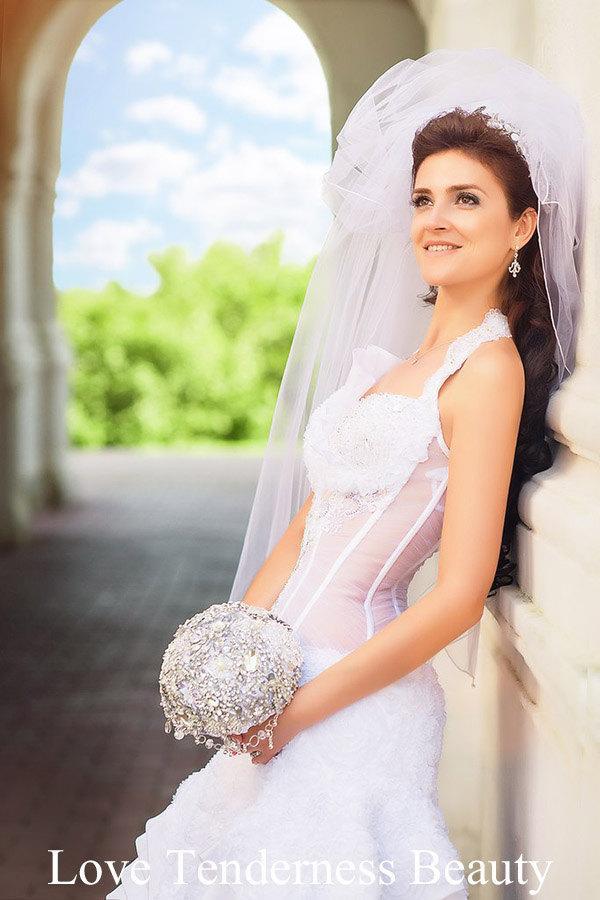 Mariage - Wedding Accessories, Brooch Bouquet, White and Silver Wedding Brooch Bouquet, luxury Bridal Bouquet, Jeweled Bouquet, wedding decor