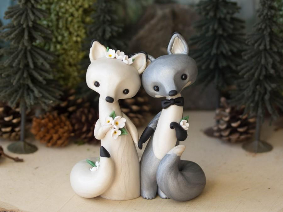 Mariage - Fox Wedding Cake Topper - Silver Fox and Arctic Fox by Bonjour Poupette