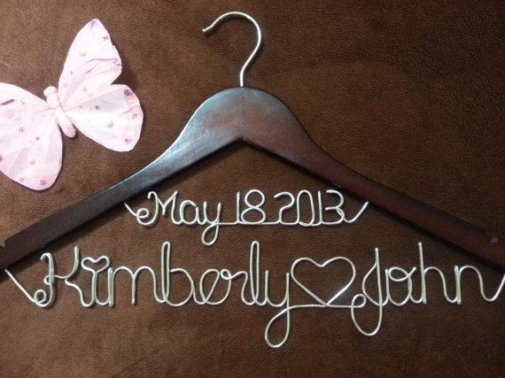 Hochzeit - On Sale Personalized Wedding Hangers, Bridal Hangers, Bride gift, Wedding Gift,custom made wedding Hangers, Name Hanger,shower gifts