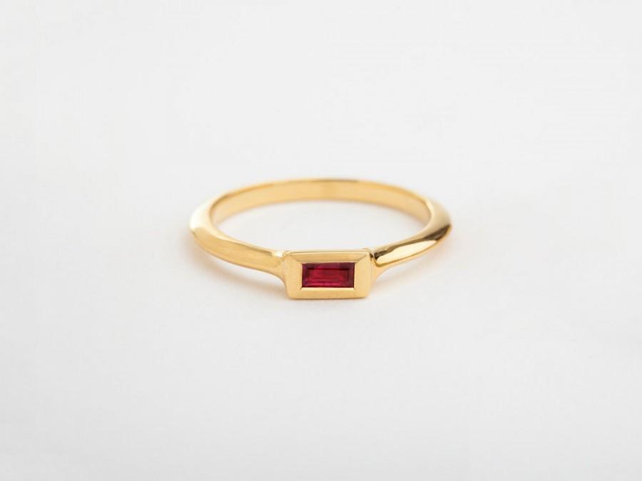 Mariage - Unique ruby baguette engagement ring