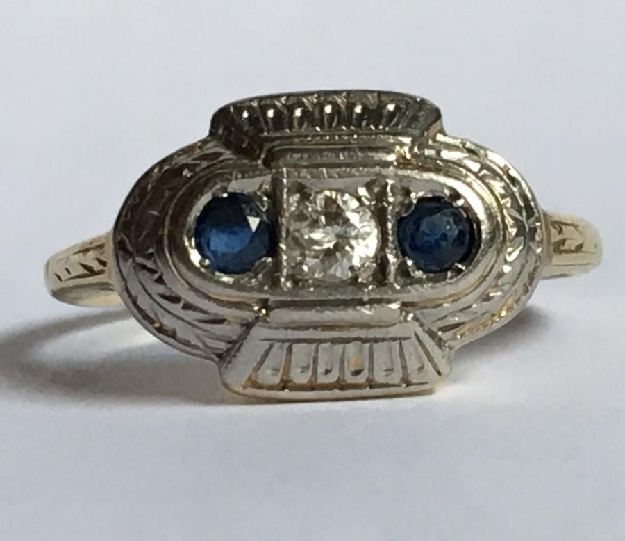 Mariage - Vintage Sapphire and Diamond Ring. 14K Gold Art Deco. Unique Engagement Ring. September Birthstone. 5th Anniversary Gift. Estate Jewelry