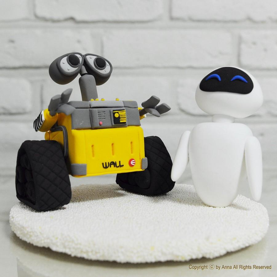 Hochzeit - Custom Cake Topper -Wall - E and Eve-