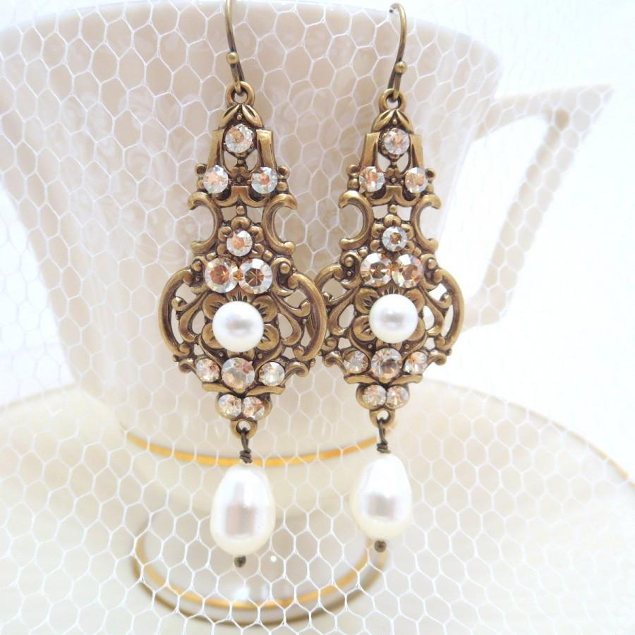 Mariage - Champagne Bridal earrings, Wedding jewelry, Pearl Wedding earrings, Vintage style earrings, Swarovski Earrings, Antique gold earrings