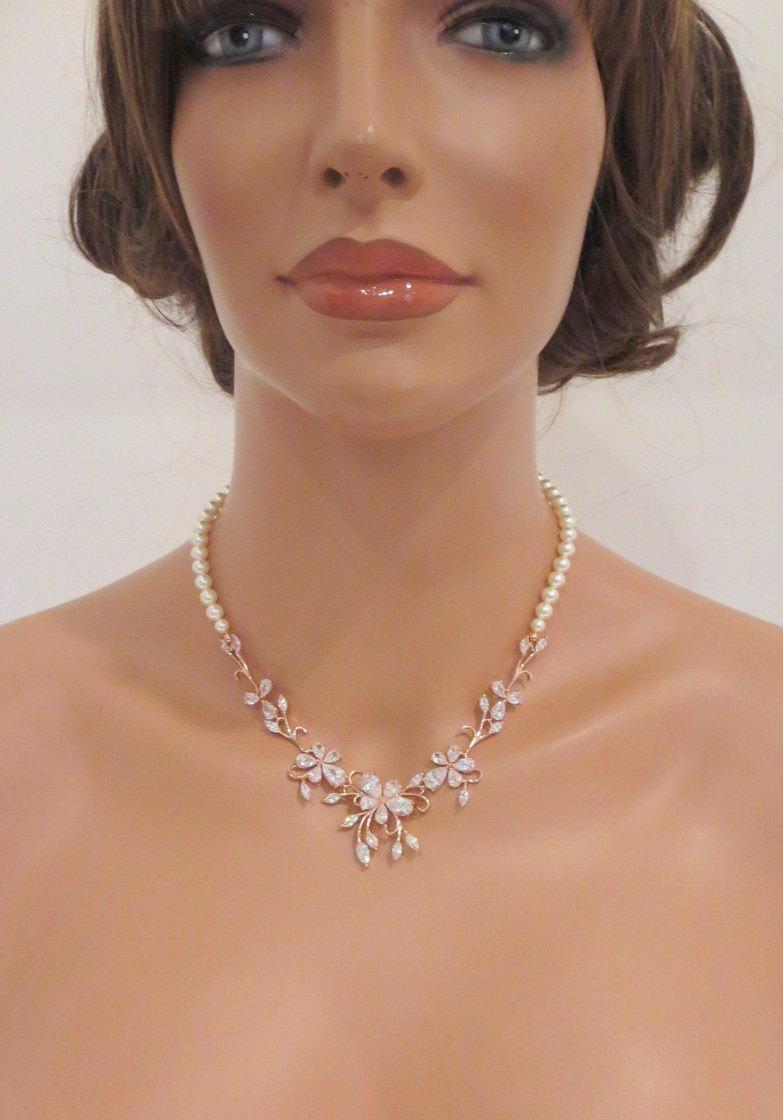 Mariage - Rose Gold Bridal necklace SET, Rose Gold Wedding necklace, Wedding jewelry, Pearl Bridal necklace, Rose gold earrings, Crystal necklace