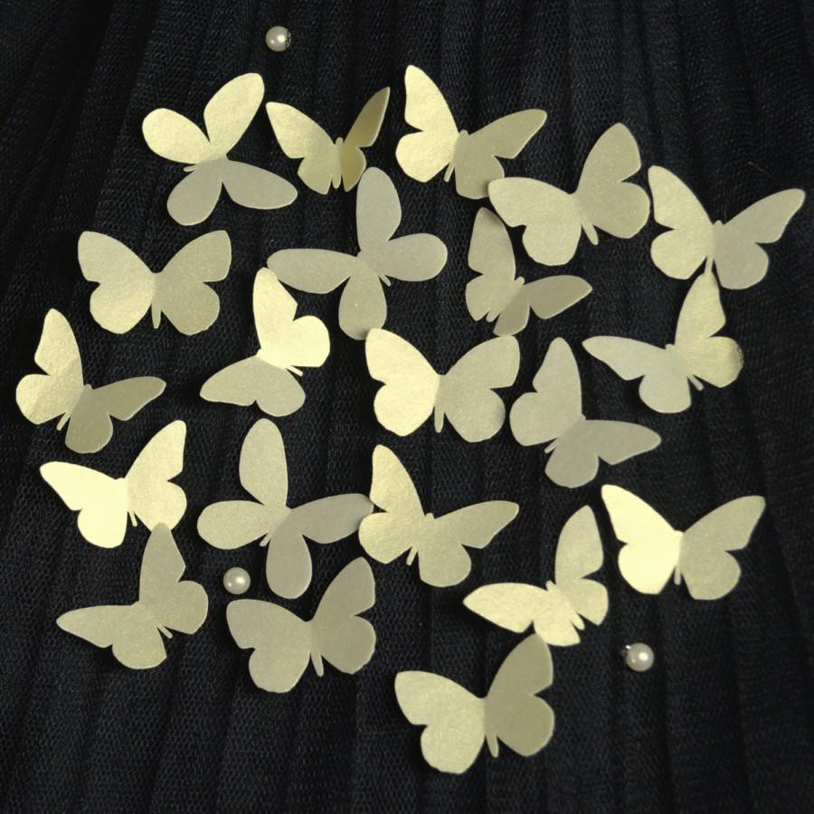 Hochzeit - Edible GOLD Butterflies 3D x 60 MINI - Wafer Rice Paper Silver Shimmer Cake Cookie Pink Winter Wedding Christmas Decorations Cupcake Toppers