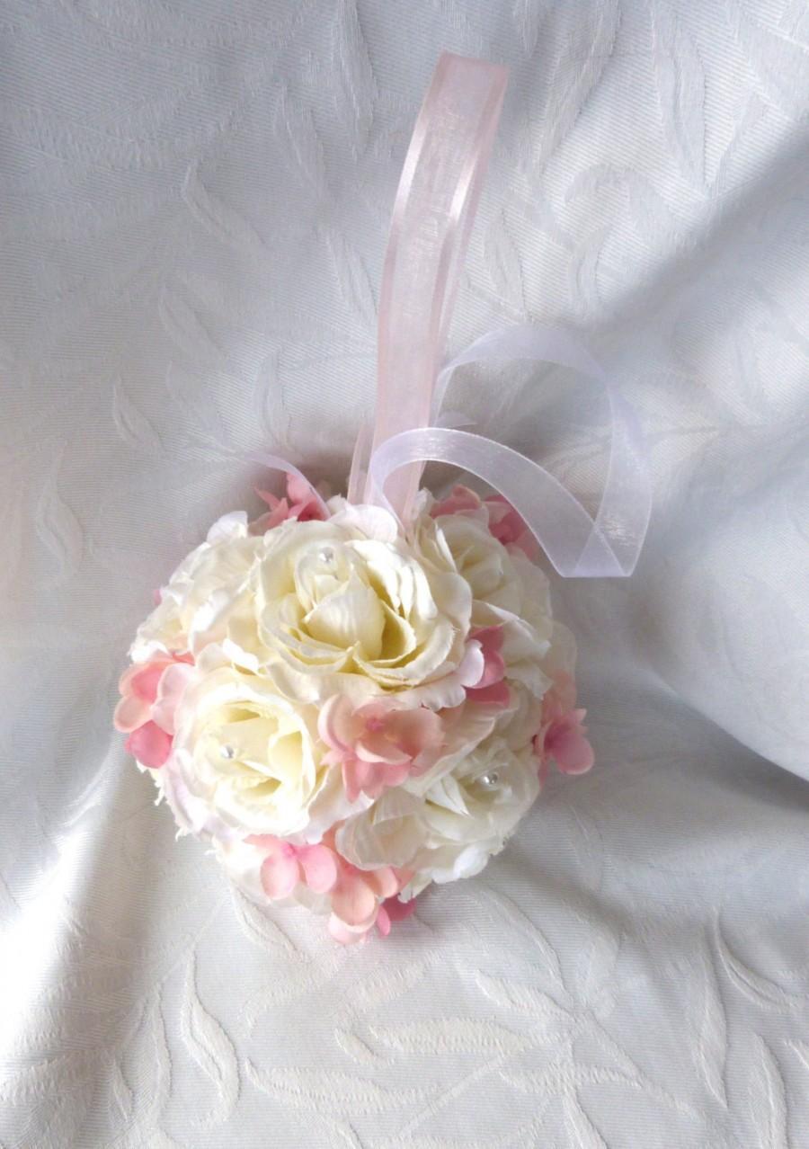 Свадьба - Creme rose and pink hydrangea kissing ball rose pomander wedding flower ball