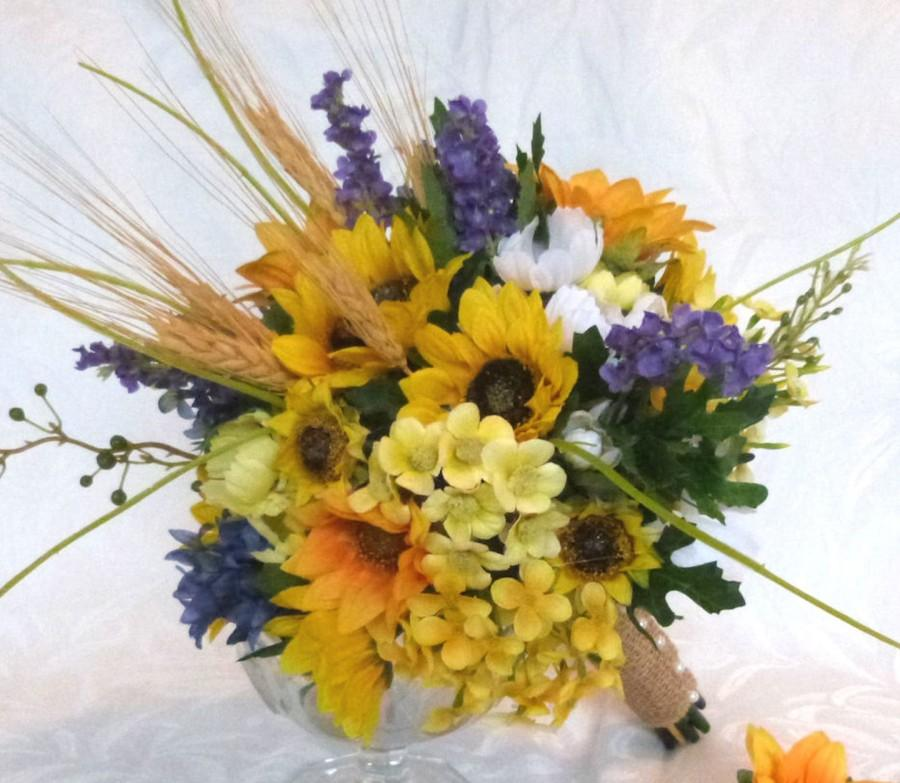 Hochzeit - Rustic wedding bouquet made with sunflower and wheat