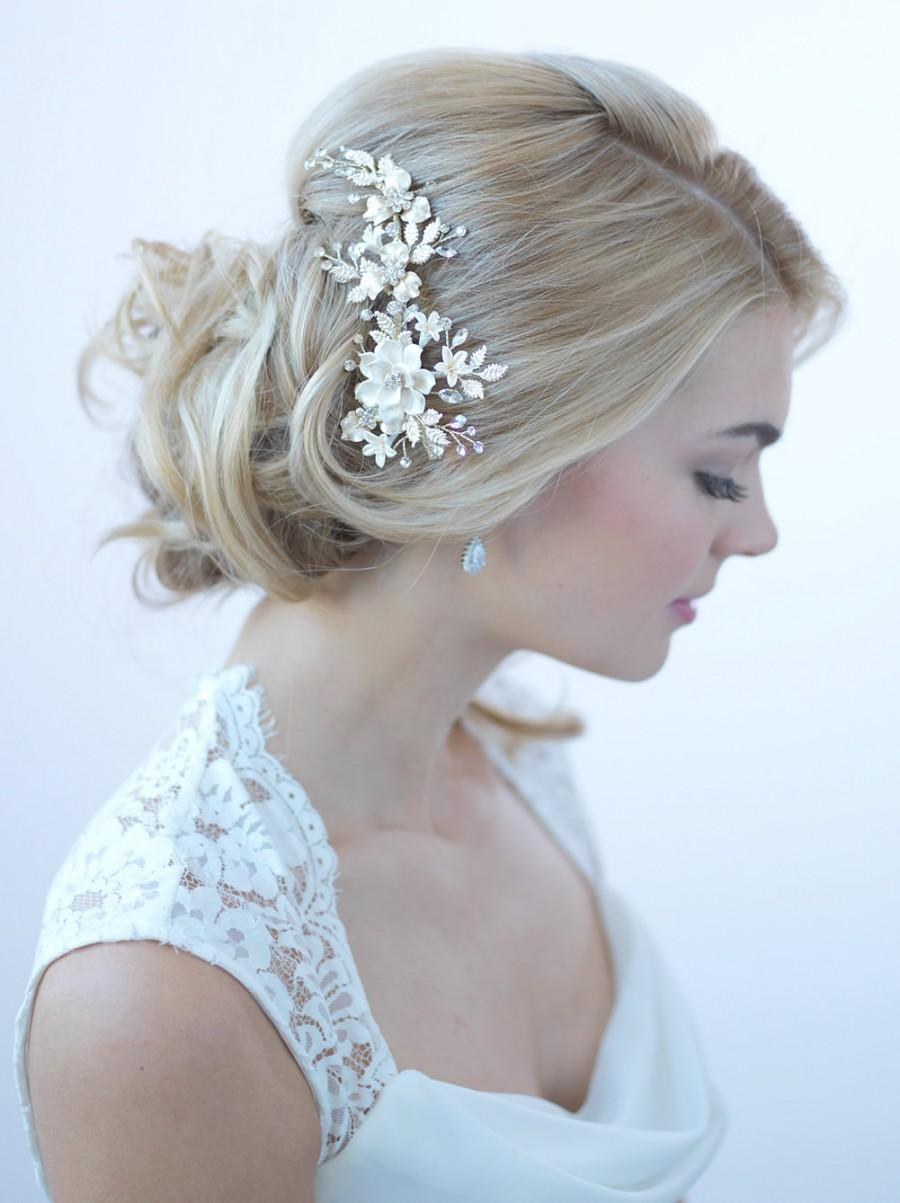Свадьба - Silver Floral Bridal Clip, Floral Bridal Hair Clip, Flower Wedding Hair Comb, Bridal Hair Accessory, Floral Wedding Headpiece, ~TC-2274