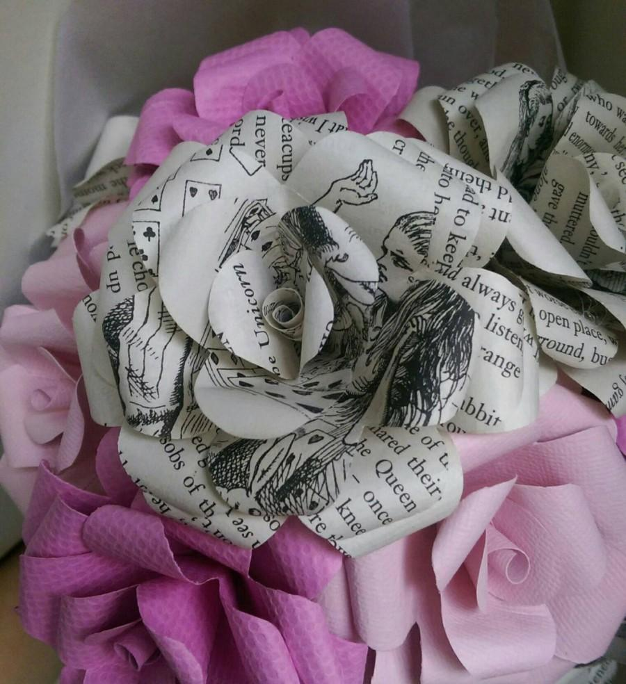 Свадьба - Alice's Adventure's in Wonderland Book Bouquet-Book lover gift-Book Bouquet-Book decor- Unique Gift- Bridal Bouquet- Paper Roses-Cheshire