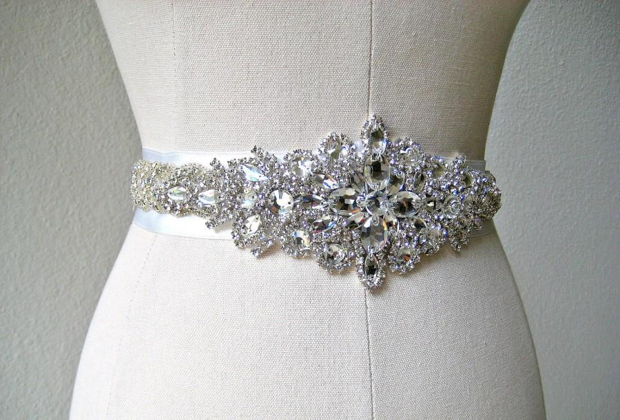 Mariage - Bridal beaded crystal sash.  Rhinestone jewel applique wedding belt.  23 inches. LUXE PRINCESS