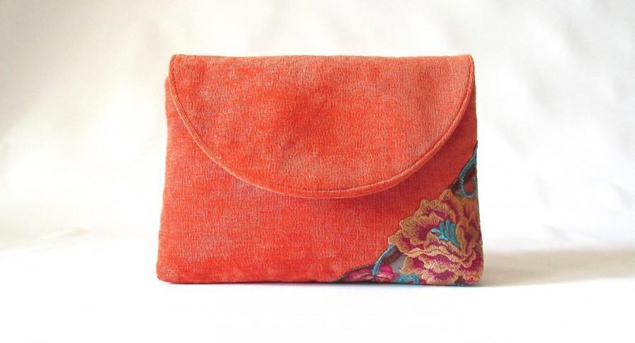 Свадьба - Tangerine Wedding Clutch,  Orange Velvet bridal clutch, lace bridesmaid clutch,  orange floral lace clutch purse, wedding gift