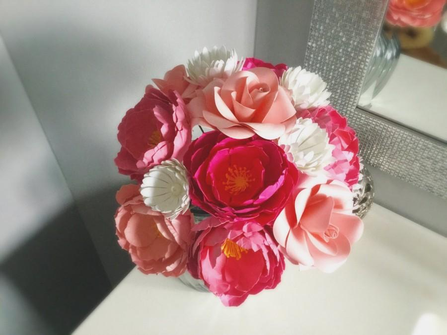 Mariage - Paper flower bouquet of pink peonies with roses