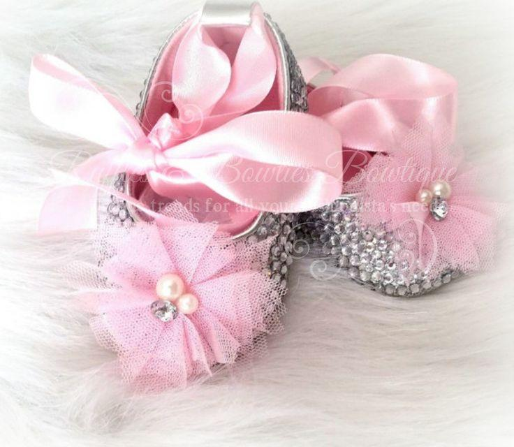Свадьба - Crystal Baby Ballet Shoes,Crystal Shoes, Pearl Baby Shoes,Baby Girl Shoes, Wedding, Christening,Baptism Gift,baby Shower Gift,baby Crib Shoe