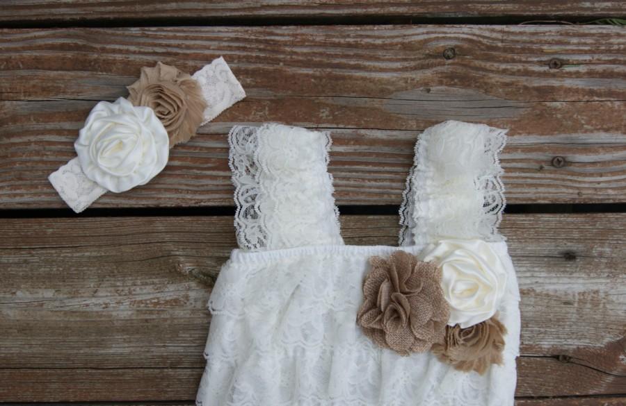 Свадьба - Country flower girl dress, rustic wedding, lace flowergirl, ivory ruffle dress, girls lace dress, burlap flower girl dress