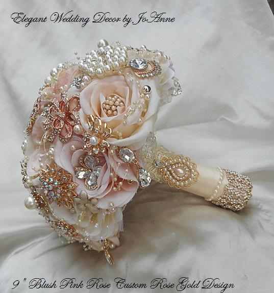 Mariage - ROSE GOLD Brooch Bouquet- DEPOSIT for Custom Blush Pink Rose Gold Silk Flower Brooch Bouquet, Rose Gold Bouquet, Pink and Gold Bouquet