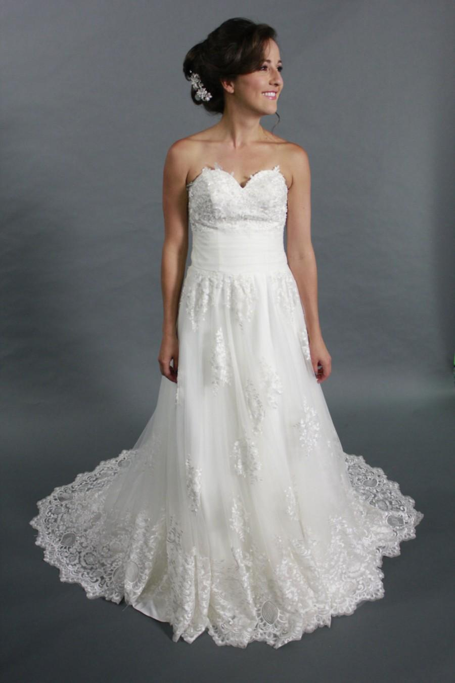 White lace applique tulle a line sweetheart neckline for Lace a line wedding dress with sweetheart neckline