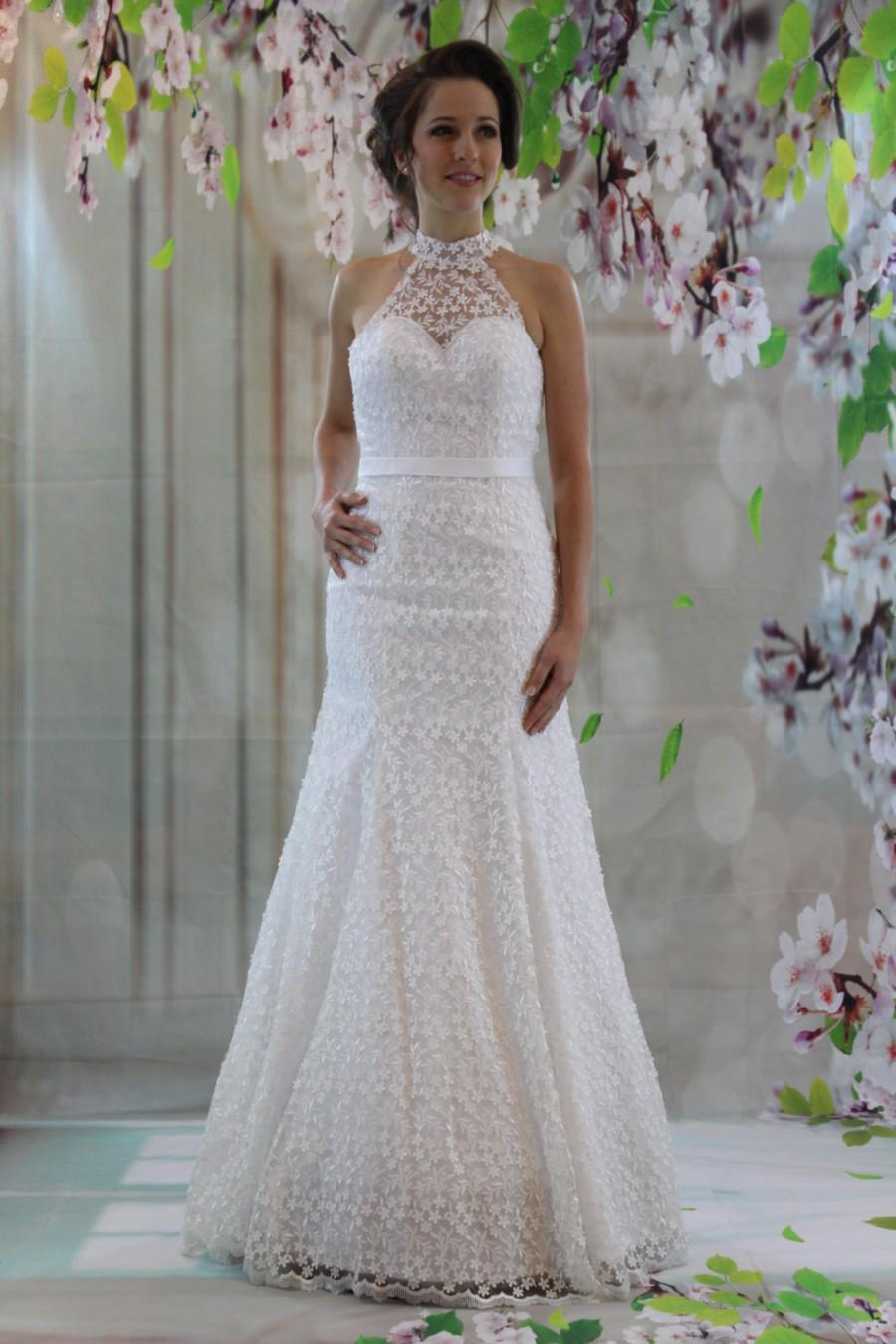 Elegant sweetheart high neck bridal gown full lace for Lace a line wedding dress with sweetheart neckline