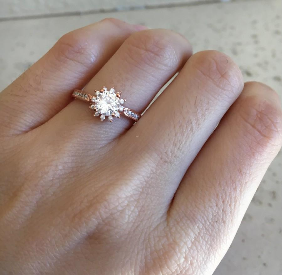 Hochzeit - Rose Gold Promise Ring- Flower Ring- Promise Ring for Her- Halo Ring- Engagement Ring- Bridal Ring- CZ Ring- Anniversary Ring- Rose Gold