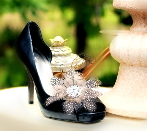 Mariage - Classy Shoe Clips. Style Me Pretty Wedding. Haute Couture Dressy Gift, Bridal Bride Bridesmaid Party, Handmade Statement Rhinestone Crystals