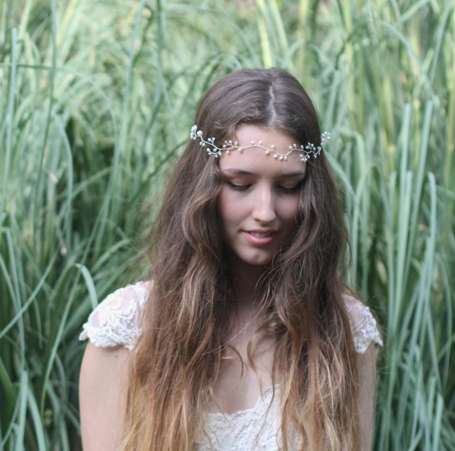 Свадьба - Bridal headpiece, boho wedding hair vine, simple pearl hair accessories, freshwater pearl crown, forehead headdress, bridesmaid headband