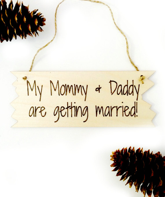 Hochzeit - wedding or engagement announcement child / dog - mommy and daddy getting married