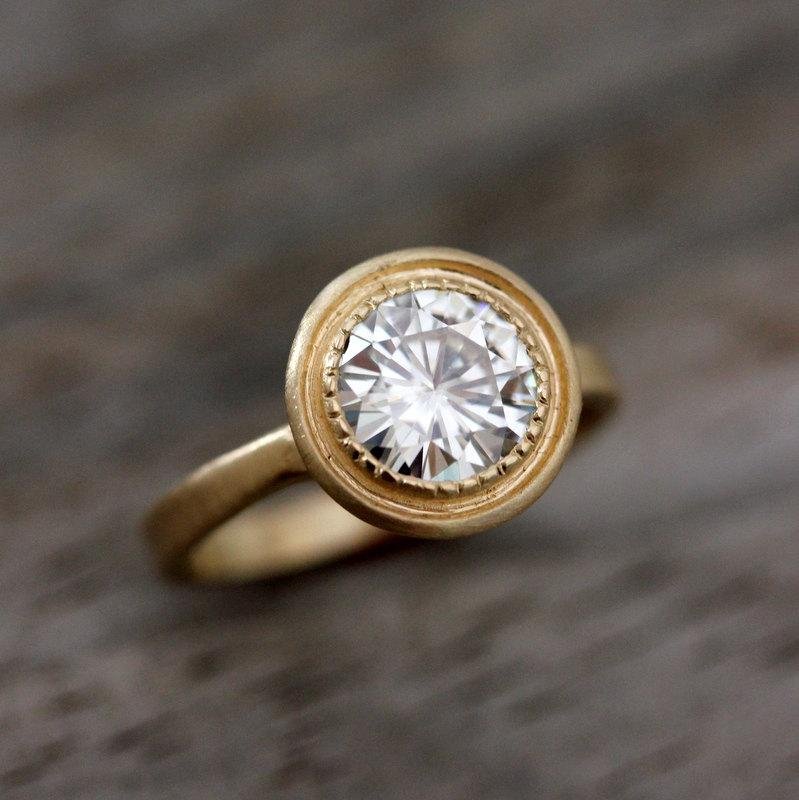 Mariage - Halo Engagement Ring, Moissanite Wedding Ring, Yellow Gold Solitaire, Modern Vintage Inspired Rings