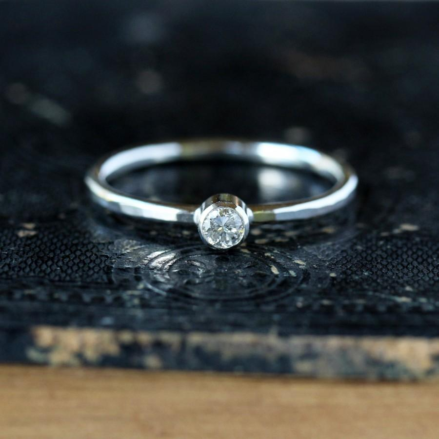 Mariage - Silver Diamond Ring, Sterling Silver Hammered Band, Diamond Stacking Ring, Unique Engagement Ring, Conflict Free Eco Friendly