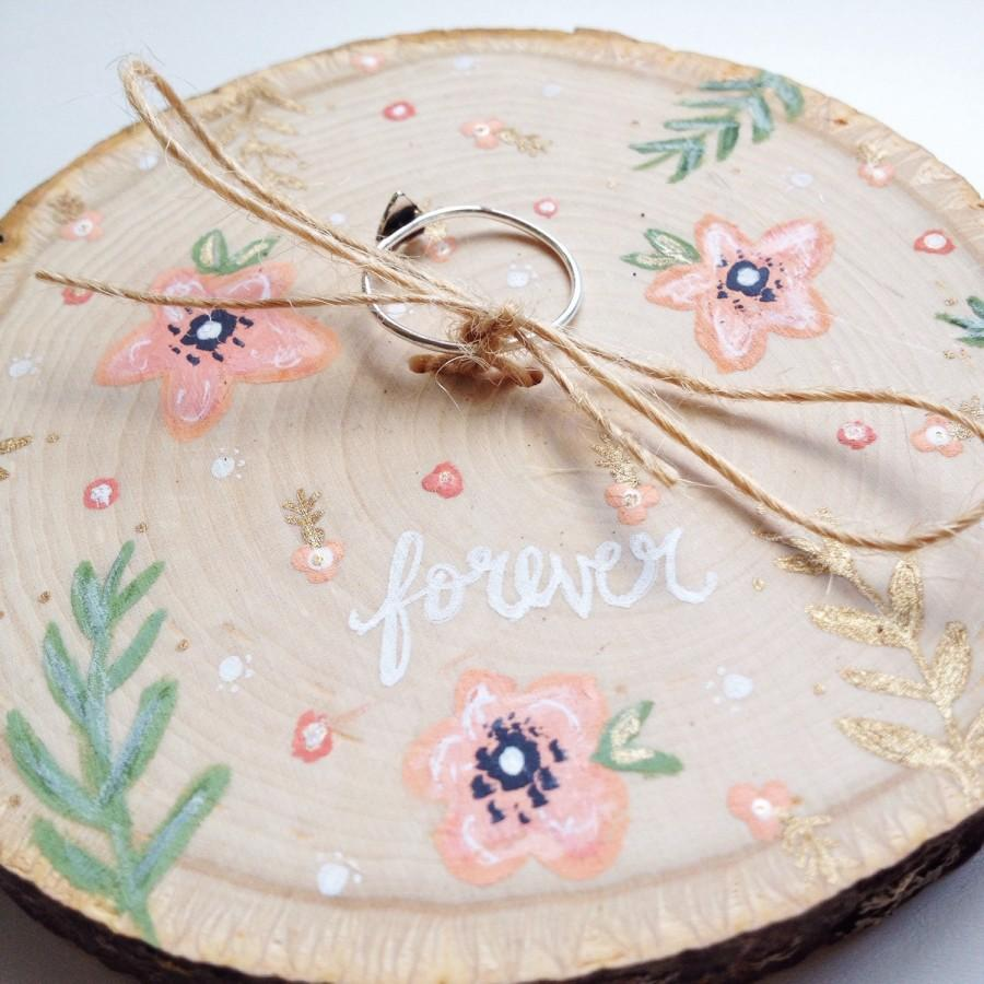 Свадьба - Ring Bearer Wood Slice, Woodland Wedding, Boho Wedding, Ring Holder, Ring Bearer, Wedding Ring Holder, Rustic Wedding, Floral Boho Wedding