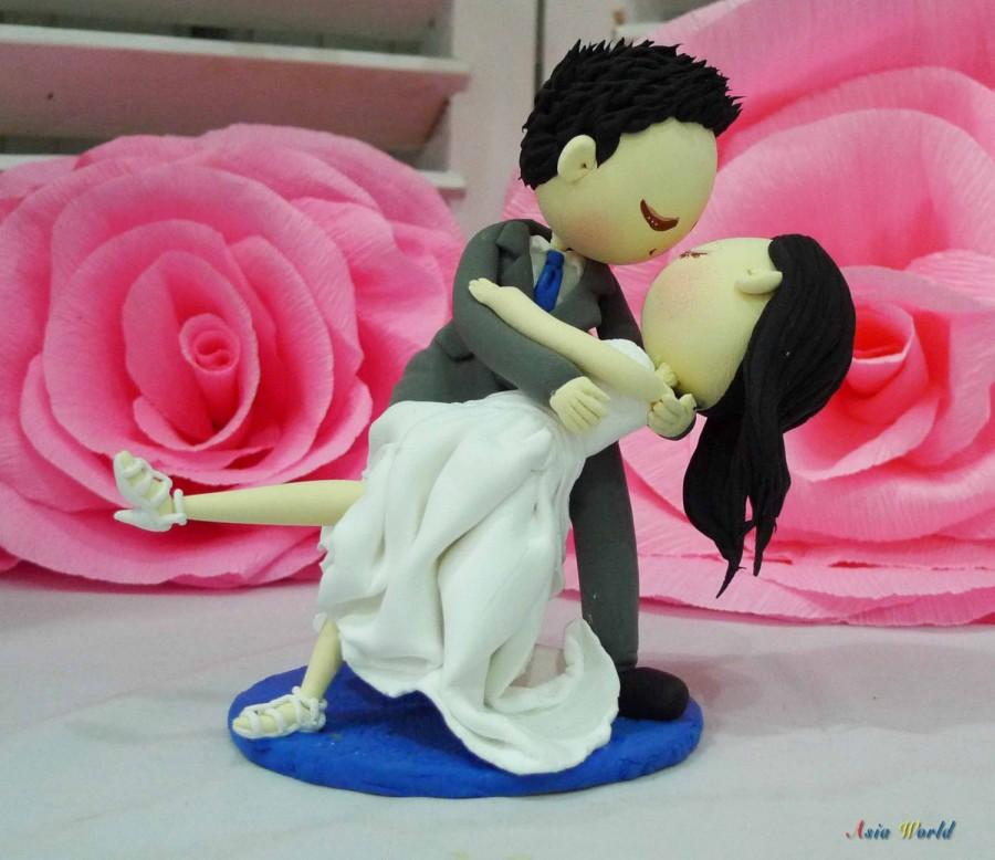 Свадьба - Wedding Cake topper in love dance clay doll, wedding dance clay couple, clay miniature engagement decoration, clay figurine wedding gift