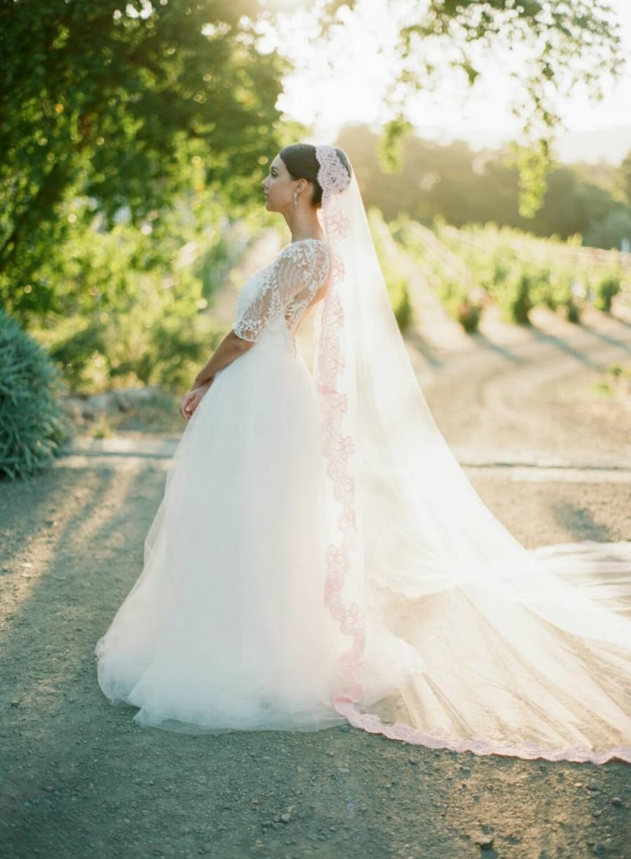 Mariage - Pink Bridal Veil, Blush Wedding Veil, OLIVIA Cathedral Veil, Bridal Veil Mantilla Veil Pink Lace Veil, Royal Cathedral Veil, Pink Tulle Veil