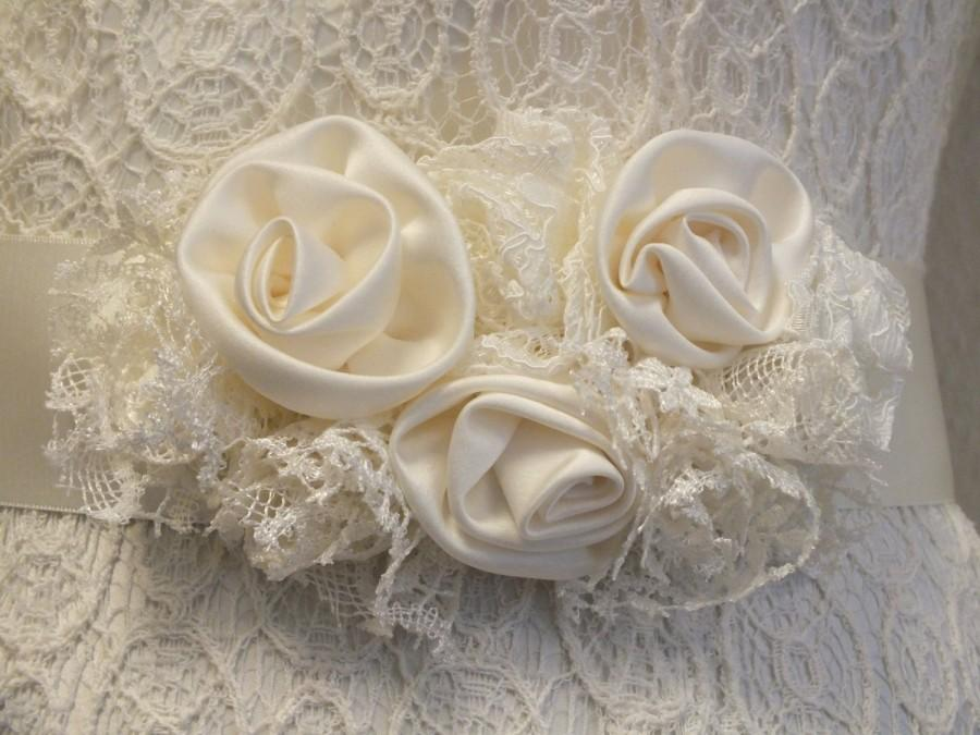 Mariage - Wedding Dress Sash / Vintage Inspired Sash / Floral bridal sash/ Bridal Sash /Ivory Ribbon Sash / Bridal Belt / Sash / Wedding Dress Belt