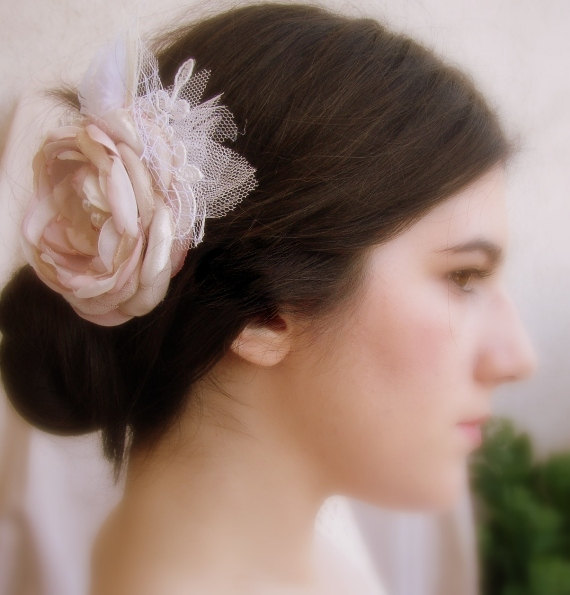 Mariage - Blush Pink Hair Clip - Pink Ivory Beige Flower - Bridal Hair Flower - Vintage Hair Piece - Large Lace Fascinator - Blush Wedding Hairpiece