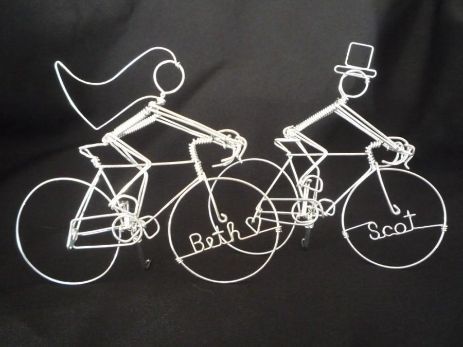 Mariage - RACE U 2 THE ALTER: Racing Bike Riders Wedding Cake Topper
